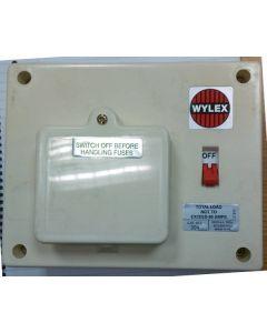 Wylex 304, Wylex Standard Range Consumer Unit, 3 Way Insulated Board 60 Amp Switch
